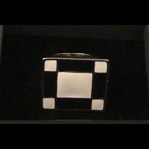 Large Black White Silver Tone Fashion Ring Sz 7.5